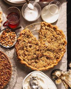 Apple, Black Sesame & Cardamom Crumble Pie - Vegetarian 'Ventures Pie Dessert, Dessert Table, Apple Breakfast, Pie Crumble, Black Sesame, Caramel Recipes, Pastry Blender, Apple Slices, Food And Drink