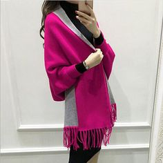 Elegant Cashmere Tassel Cardigan with Batwing Sleeves