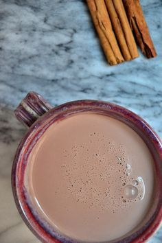 'Creamy' Almond Milk Hot Chocolate + IBS-Friendly Tips - The Healthy Apple - As someone who suffered from IBS (irritable bowel syndrome) growing up, making healthy food choices - Smoothies Vegan, Smoothie Drinks, Chocolate Smoothies, Chocolate Shakeology, Healthy Hot Chocolate, Hot Chocolate Recipes, Almond Chocolate, Hot Chocolate Recipe With Almond Milk, Cacao Hot Chocolate