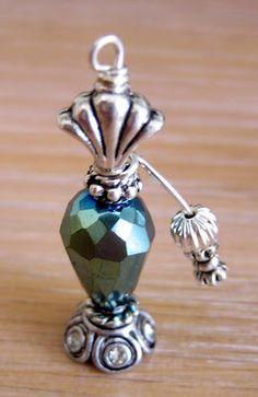 Perfume Bottle Charm Source by mjquinney Dollhouse Miniature Tutorials, Miniature Crafts, Diy Dollhouse, Miniature Dolls, Dollhouse Miniatures, Bottle Charms, Vintage Bottles, Barbie Accessories, Mini Bottles