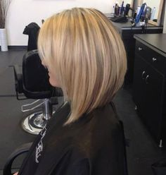 Might be the haircut and color I want for me! A line bob haircut, short haircuts, blonde highlights