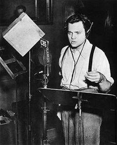 This Day in History:  Oct 30, 1938: Welles scares nation http://dingeengoete.blogspot.com/ http://4.bp.blogspot.com/_dXvGSWAPHOE/SQp7tW5KADI/AAAAAAAAAWA/ViPh1_1BqNw/s320/OrsonWelles.jpg