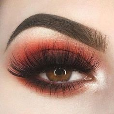 If you want to transform your eyes and also improve your good looks, using the best eye make-up tips and hints can help. You'll want to be sure to put on make-up that makes you start looking even more beautiful than you already are. Eye Makeup Tips, Makeup Goals, Makeup Inspo, Eyeshadow Makeup, Makeup Inspiration, Makeup Ideas, Makeup Tutorials, Makeup Brushes, Makeup Products