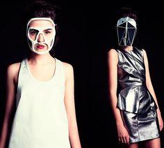 Actualmente la tecnología avanza de una manera fugaz y algunos diseñadores de moda apuestan por ello para no quedarse atrás. Catherine Wales es una diseñadora digital que es consciente de la era en la que