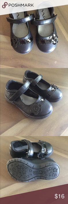 Toddler Black Dress Shoes Worn once, pretty much perfect condition! Cute black leather dress shoes with  flower detail Nina Shoes Dress Shoes