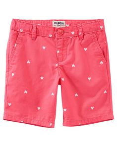 Crafted with peached twill and featuring a charming heart print, these uniform shorts are just right for school days!