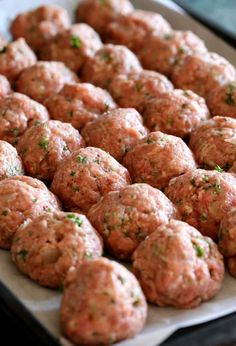 Sunday Meatballs and Sauce is a classic meatballs and sauce recipe!Grandma's Sunday Meatballs and Sauce is a classic meatballs and sauce recipe! Meatball Recipes, Pork Recipes, Pasta Recipes, Chicken Recipes, Dinner Recipes, Cooking Recipes, Meatloaf Recipes, Meatball Sauce, Meatball Recipe No Breadcrumbs