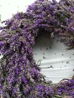 A lavender wreath for your home decoration
