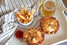 These pretty little pies have enough class to be plated up nicely alongside grilled Asparagus and some other posh veg for a nice dinner, or just s Tart Recipes, Vegan Recipes, Vegan Food, Vegan Pies Savoury, Vegetable Pot Pies, Pie Tops, Grilled Asparagus, Lunch Snacks, Dairy Free
