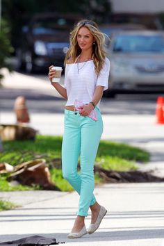 Candice Swanepoel Photos - Model Candice Swanepoel strikes a sexy pose as she shoots for Victoria's Secret's new catalogue in Coral Gables, Miami. - Candice Swanepoel Poses in Miami Mint Jeans, Green Skinny Jeans, Green Skinnies, Aqua Jeans, Look Fashion, Fashion Beauty, Womens Fashion, Petite Fashion, Passion For Fashion