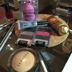 A little bit of everything because I have a party to go! #letsgoparty um pouquinho de tudo pra festa de hoje a noite! #makeup
