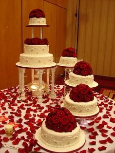 Asian Wedding Cakes is part of Bridal wedding cakes - Wedding Cake Red, Wedding Cake Fresh Flowers, Beautiful Wedding Cakes, Wedding Cake Designs, Wedding Cake Toppers, Beautiful Cakes, Amazing Cakes, Quince Decorations, Cake Table Decorations