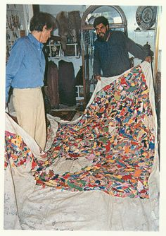 Boetti inspecting the production of a Tutto (Everything) embroidery in Peshawar, 1989. Courtesy Alighiero e Boetti Archive