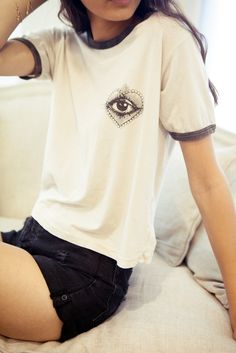 Brandy ♥ Melville | Nadine Heart The Eye Top - Graphics