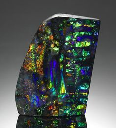 """Magnificent Boulder Opal with """"Ribbon"""" Pattern"""