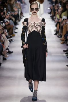 Christian Dior Fall - Winter 2016/2017 READY-TO-WEAR