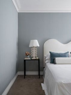 Home - Bungalow Classic Modern Interior, Interior Architecture, Interior Design, Bedroom Wall, Bedroom Decor, Wall Decor, Fabric Covered Walls, Upholstered Walls, Architrave