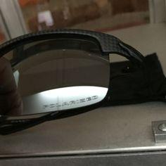 2247b298908 Oakley-Carbon-Blade-Polarized-Matte-Carbon-Fiber-MINT-