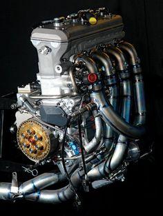 06 Yamaha M1 engine