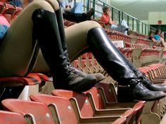 English riding boots........ Oh, how many times have I been here .... wonderful memories.. kicking back...