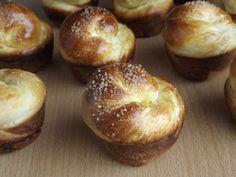 Kipróbált és bevált receptek: Muffinformában sült briós Hungarian Recipes, Brie, Doughnut, Baked Potato, Potatoes, Homemade, Baking, Breakfast, Ethnic Recipes