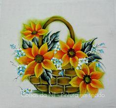 pintura em tecido de cesta com girassois