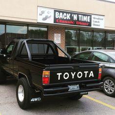 Truck toyota pickup ideas for 2019 Nissan Trucks, Toyota Trucks, Lifted Ford Trucks, Big Trucks, Best Classic Cars, Classic Trucks, Toyota Hilux, Toyota Tacoma, Toyota Pickup 4x4