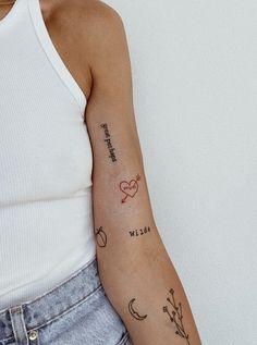 Cute Tiny Tattoos, Dainty Tattoos, Little Tattoos, Pretty Tattoos, Mini Tattoos, Unique Tattoos, Finger Tattoos, Body Art Tattoos, Tatoos