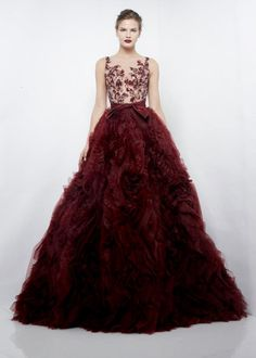 Zuhair Murad F/W 2012  Beautiful! Now if only I had a red carpet event to go to... Haha