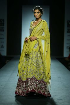 Lengha by Vineet Bahl. Fall/Winter 2014-15