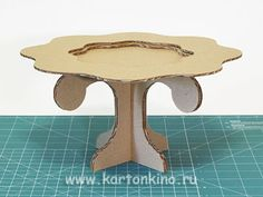 Cardboard Cakestand - step by step phototutorial and free pdf pattern Cardboard Cake Stand, Cardboard Box Crafts, Paper Crafts, Decor Crafts, Diy And Crafts, Diy Cupcake Stand, Table Template, Fairy Furniture, Outdoor Furniture