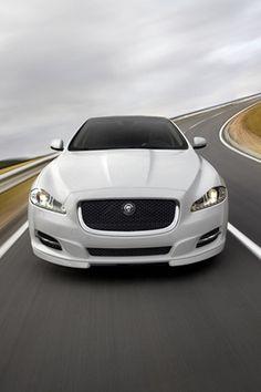 Jaguar XJ 2012.