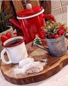 Najkrajšie vianočné inšpirácie z Modrej strechy - Vianoce / advent / dekorácie / vianočná výzdoba / Christmas / Christmas home decoration Coffee Cozy, I Love Coffee, Coffee Break, My Coffee, Coffee Time, Morning Coffee, Tea Time, Coffee Shop, Chocolate Caliente