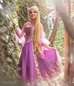 Tangled Dress, Tangled Cosplay, Disney Princess Cosplay, Disney Cosplay, Disney Princess Photography, Rapunzel Costume, Face Aesthetic, All Disney Princesses, Disney Aesthetic