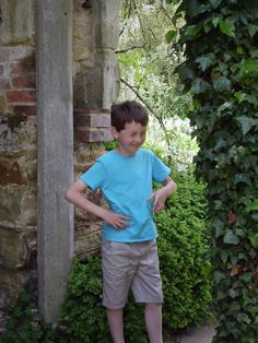 Giggle'icious time at Scotney Castle Trips, Castle, Button Down Shirt, Men Casual, Mens Tops, Shirts, Image, Traveling, Travel
