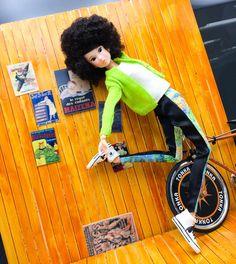ほりぃ(チームじゅくじょ):謎の躍動感を表現するToday's momoko GRAFFITI さん