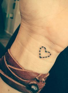 #tattoo #tatuajes #pequeños #sencillos #mujer #beauty #sexy #tatuajes #sencillos #mujer #tattoos #facil #bonitos #lindos #discretos #magazine #feed