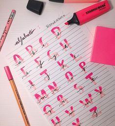 Bullet Journal Titles, Bullet Journal Banner, Bullet Journal Lettering Ideas, Journal Fonts, Bullet Journal School, Hand Lettering Tutorial, Hand Lettering Alphabet, Brush Lettering, Stabilo Boss