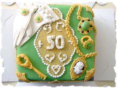 jewelry box cake topview