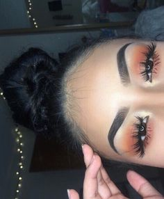 In order to transform your eyes and improve your natural beauty, using the best eye makeup tips and hints will help. You want to be sure to wear make-up that makes you start looking even more beautiful than you already are. Makeup On Fleek, Flawless Makeup, Cute Makeup, Pretty Makeup, Skin Makeup, Prom Makeup, Makeup Goals, Makeup Inspo, Makeup Inspiration