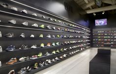 Studio Fabio Caselli has designed a new store specializing in casual and sportswear in a highly suggestive location. If you would like this in your space, City Lighting Products is the solution. https://www.linkedin.com/company/city-lighting-products