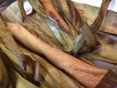 How to Cook Tupig : Filipino Sticky Rice Logs with Coconut Cream and Molasses in Banana Leaves