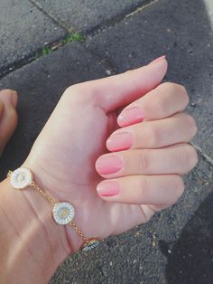 Daisy bracelet By: Line Olesen