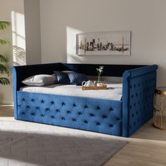 Queen Daybed, Daybed With Trundle, Wood Daybed, Upholstered Daybed, Daybed Room, Sofa Bed, Contemporary Daybeds, Contemporary Design, Full Size Daybed