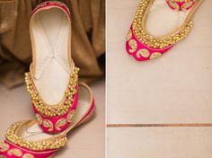 Punjabi jutti to match colour of Sangeet night suit with blue. Indian Attire, Indian Wear, Indian Outfits, Indian Dresses, Punjabi Fashion, Indian Bridal Fashion, Ballerinas, Bridal Shoes, Wedding Shoes