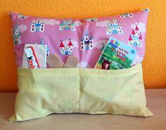 Wenn sich Dein Kind weh getan hat, ist es mit diesem Kissen die tränen schnell wieder getrocknet.  das Kissen ist mit Füllwatte ausgestopft.  Vorne befinde&he Kind, Diaper Bag, Bags, Pillows, Handbags, Diaper Bags, Mothers Bag, Bag, Totes