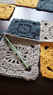 : couverture granny square Knitting For BeginnersKnitting FashionCrochet PatternsCrochet Bag Plaid Crochet, Easy Crochet Blanket, Crochet Beanie Pattern, Baby Afghan Crochet, Crochet Amigurumi Free Patterns, Crochet Granny, Knitted Blankets, Crochet Doilies, Knitting Patterns Free