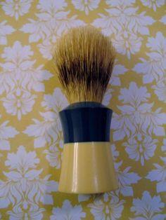 Vintage Ever-Ready Shaving Brush Sterilized F40 Badger Hair Bakelite Cream Green