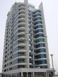 Huge 3 BR apartment with nice marina view in Dubai Marina 140k   - AED 140000