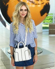 "185.4 mil Me gusta, 584 comentarios - Chiara Ferragni (@chiaraferragni) en Instagram: ""Shop on our @theblondesalad ecommerce: our limited edition @pcademartori bags #ShopTheBlondeSalad"""